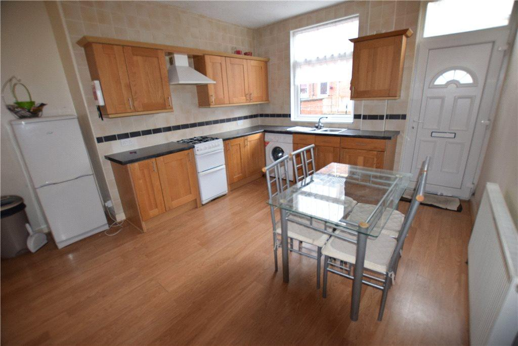 4 Bedrooms Terraced House for sale in Salisbury Avenue, Leeds, West Yorkshire