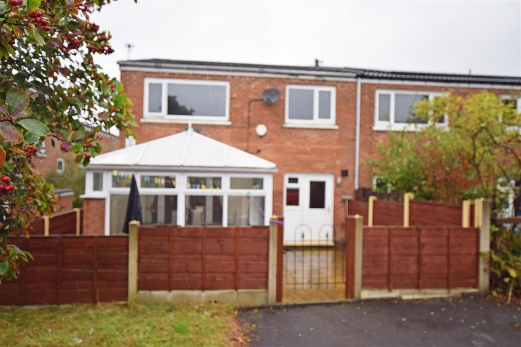 3 Bedrooms End Of Terrace House for sale in Lindside Walk, Blackley, Manchester