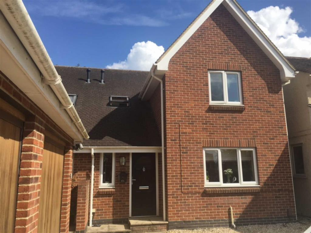 3 Bedrooms Semi Detached House for sale in Green Street, Brockworth, Gloucester, GL3