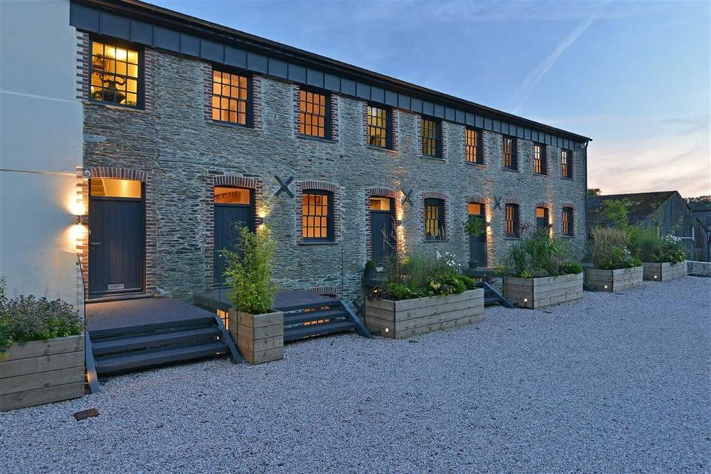 4 Bedrooms Semi Detached House for sale in Unit 4, Woodland Road, Harbertonford, Devon, TQ9