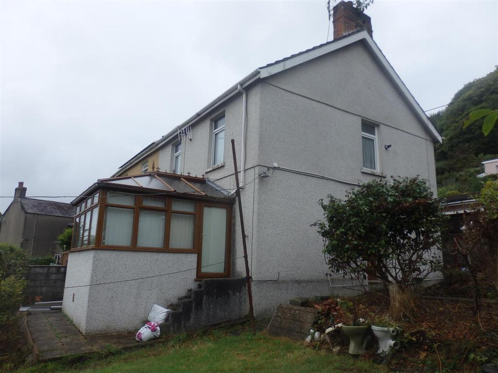3 Bedrooms Semi Detached House for sale in 1 Stradey Hill, Pwll, Llanelli