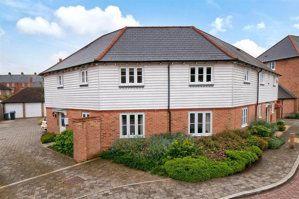 2 Bedrooms Apartment Flat for sale in Sandow Place, Kings Hill, West Malling