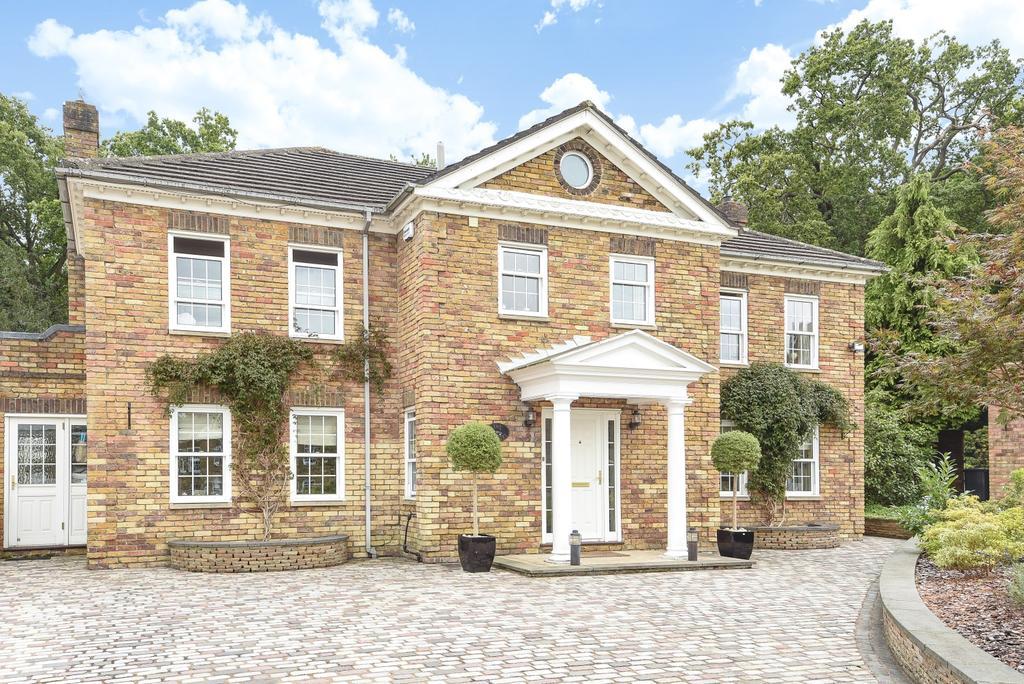 5 Bedrooms Detached House for sale in Regents Drive Keston BR2