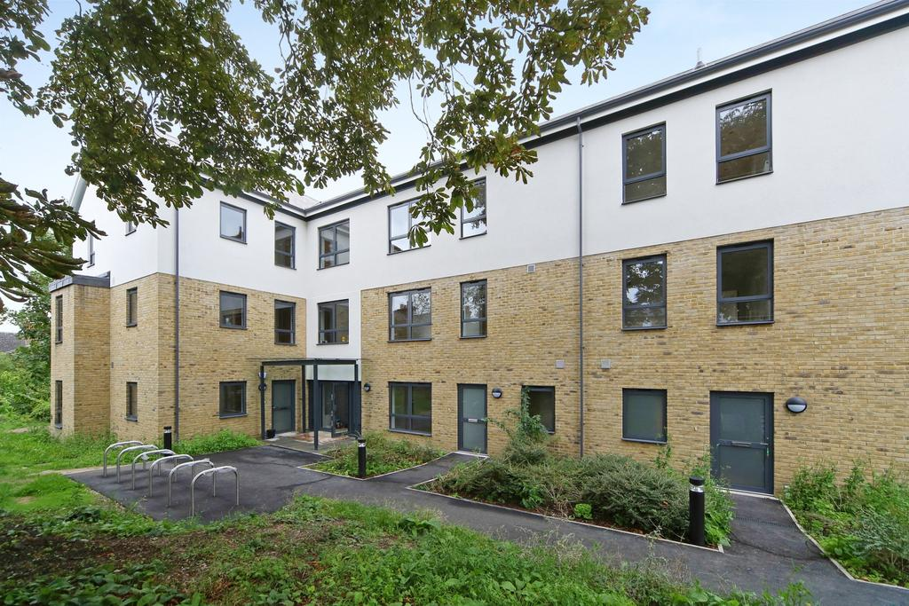2 Bedrooms Flat for sale in Bonfield Road Lewisham SE13