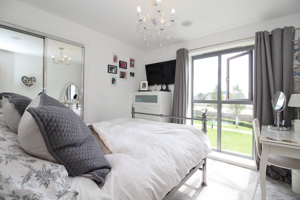 2 Bedrooms Apartment Flat for sale in Victoria Court, New Street, Chelmsford, CM1