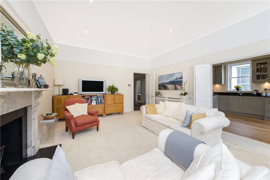 3 Bedrooms Flat for sale in Belsize Park Gardens, Belsize Park, London, NW3