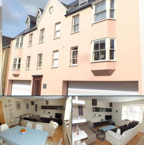 2 bedroom flat for sale - Flat 4, St. Nicholas Court, Warren Street, Tenby