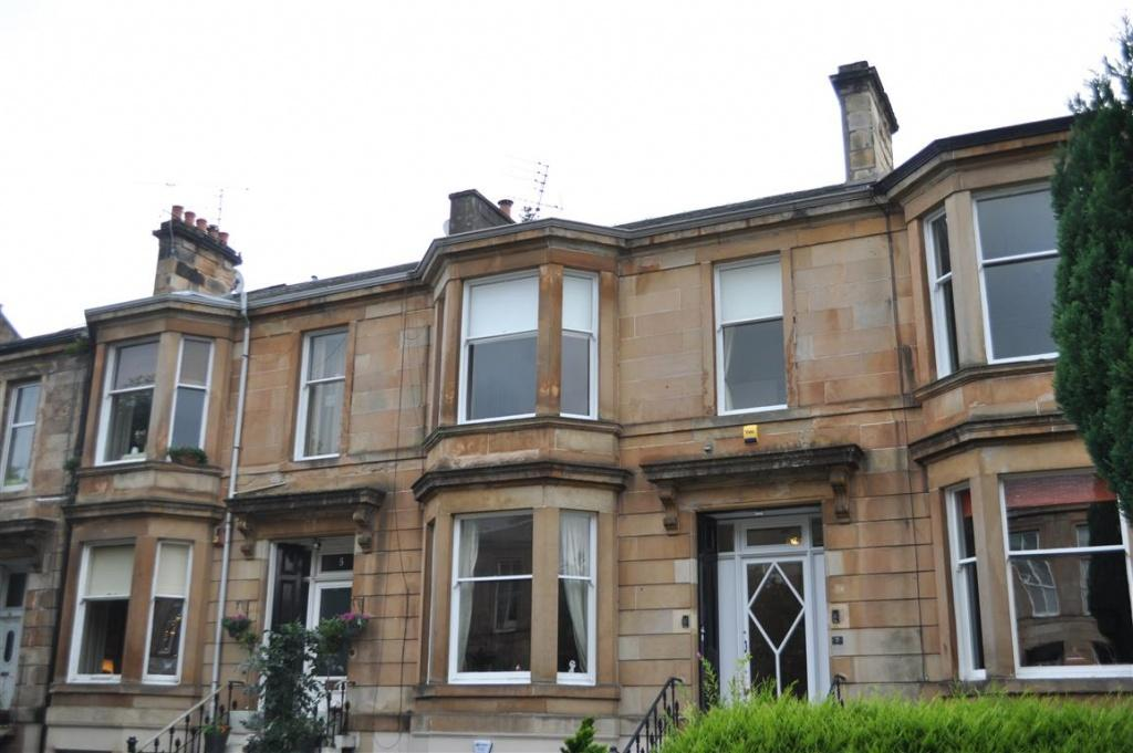 2 Bedrooms Apartment Flat for sale in Flat 1, 7c Queen Square, Starthbungo, G41 2BG