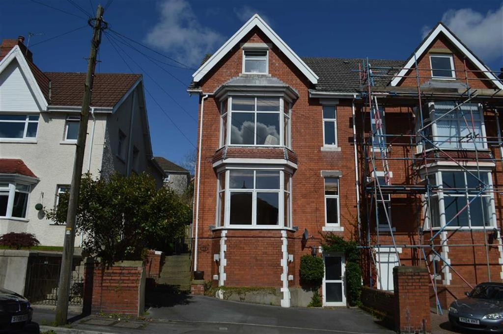 2 Bedrooms Semi Detached House for sale in Eversley Road, Swansea, SA2