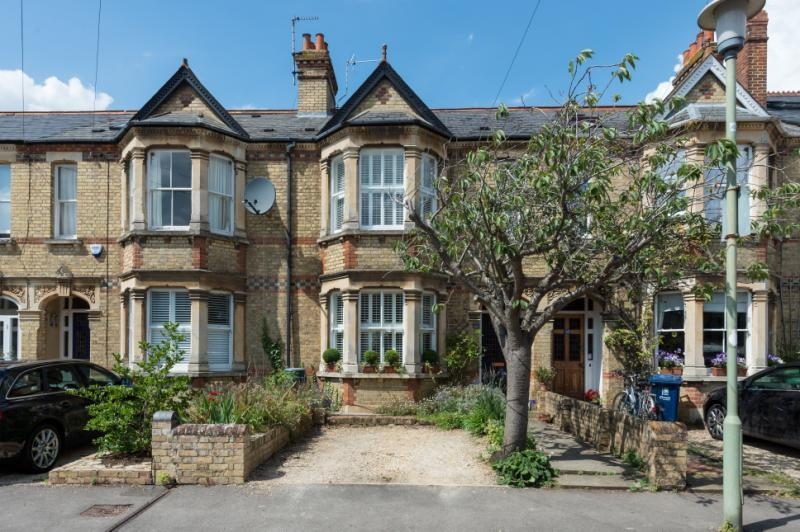 3 Bedrooms Terraced House for sale in Thorncliffe Road, Oxford, Oxfordshire