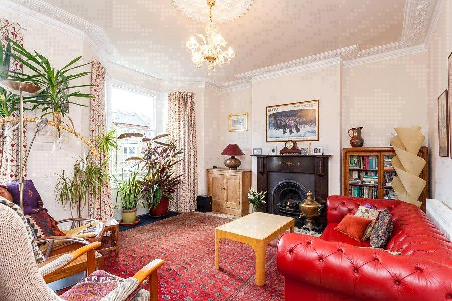 5 Bedrooms House for sale in St. Georges Avenue, London, N7
