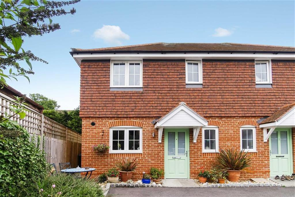 2 Bedrooms Semi Detached House for sale in Trendells Place, Haslemere, Surrey, GU27