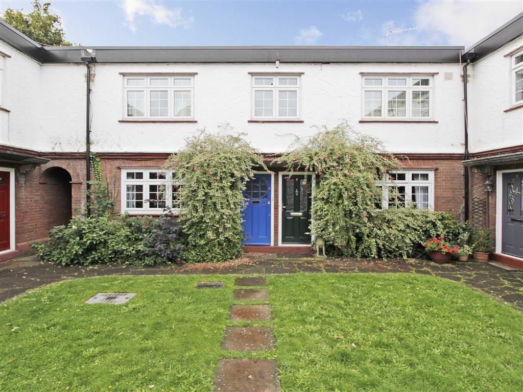 3 Bedrooms Flat for sale in Bromley Road, Beckenham, Kent