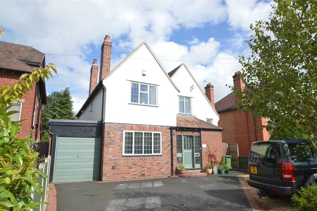 4 Bedrooms Detached House for sale in 32 Shelton Road, Shrewsbury, SY3 8SR
