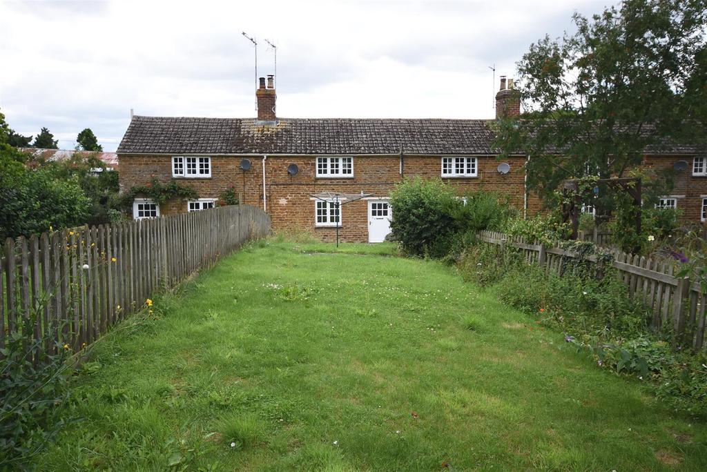2 Bedrooms Terraced House for sale in Warkton, Kettering