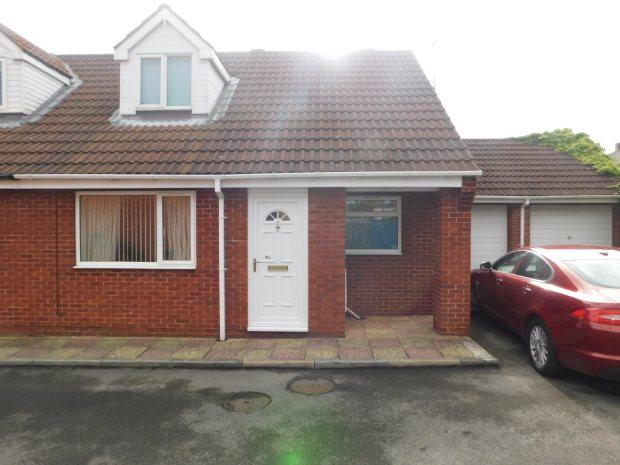 2 Bedrooms Semi Detached Bungalow for sale in GRINSTEAD WAY, CARRVILLE, DURHAM CITY