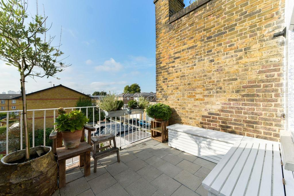 2 Bedrooms Flat for sale in Balls Pond Road, Islington, N1