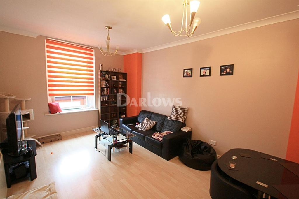 2 Bedrooms Flat for sale in Bethcar Street, Ebbw Vale, Blaenau Gwent