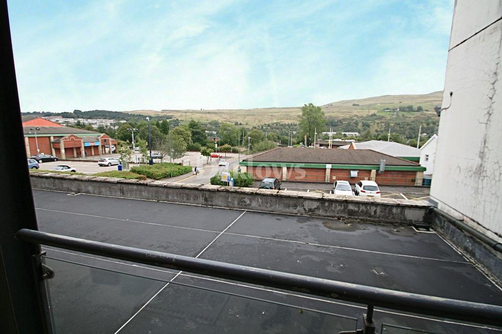 2 Bedrooms Flat for sale in Bethcar Street, Ebbw Vale, Blaenau Gwent