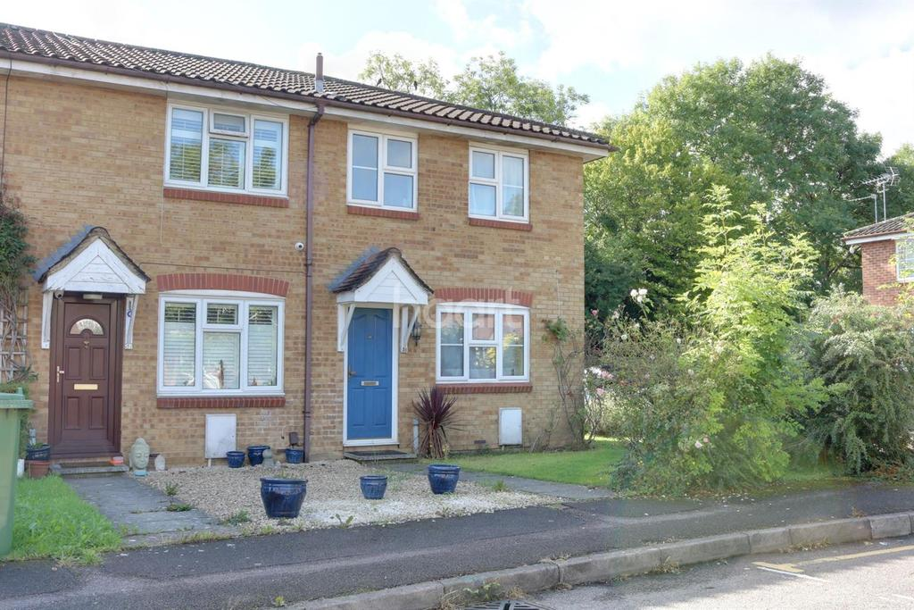 3 Bedrooms End Of Terrace House for sale in Siskin Close, Borehamwood