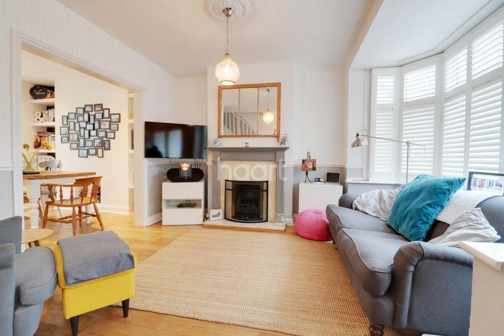 3 Bedrooms Terraced House for sale in Bridgewater Gardens, HA8
