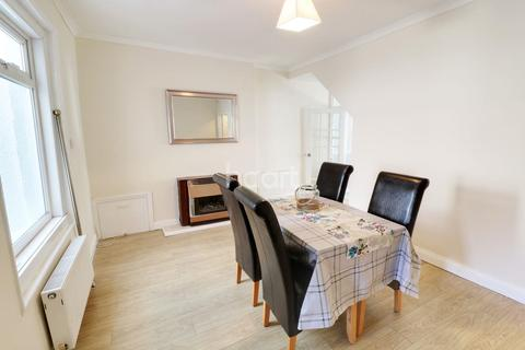 2 bedroom end of terrace house for sale - Cook St