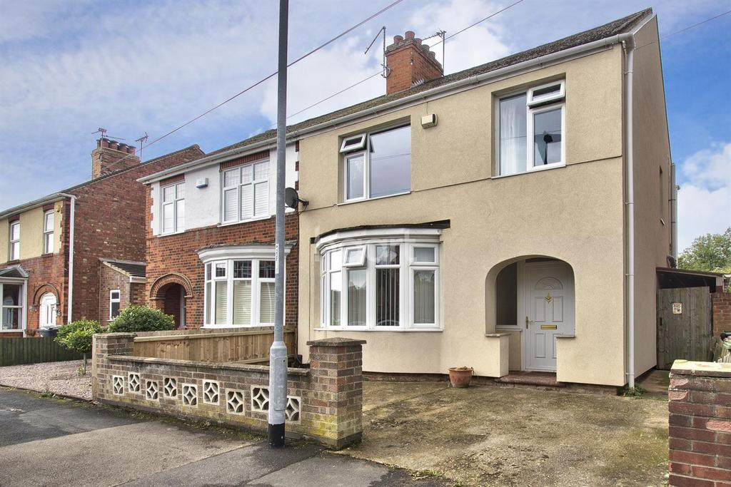 3 Bedrooms Semi Detached House for sale in The Glen, Fletton, Peterborough