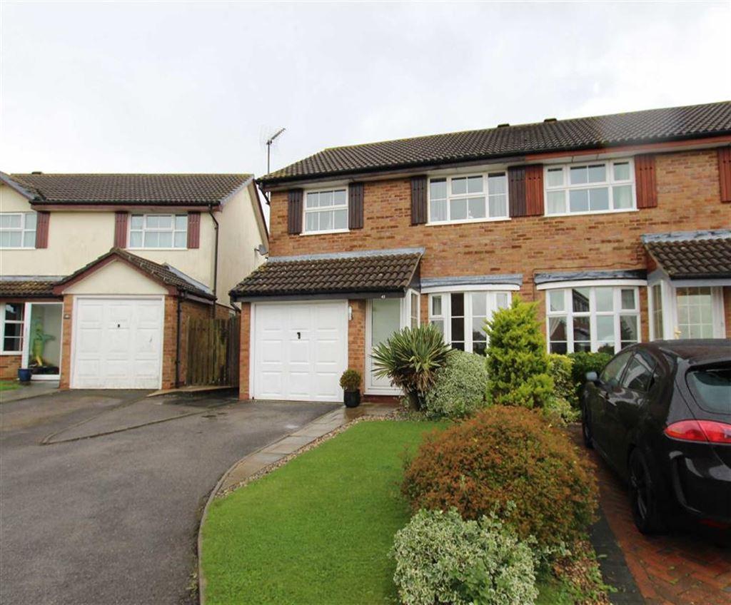 3 Bedrooms Semi Detached House for sale in 43, Wodhams Drive, Brackley