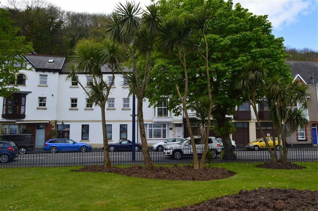 2 Bedrooms Flat for sale in Mumbles Road, Mumbles, Swansea