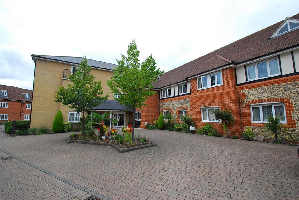 2 Bedrooms Flat for sale in Lydgate Court
