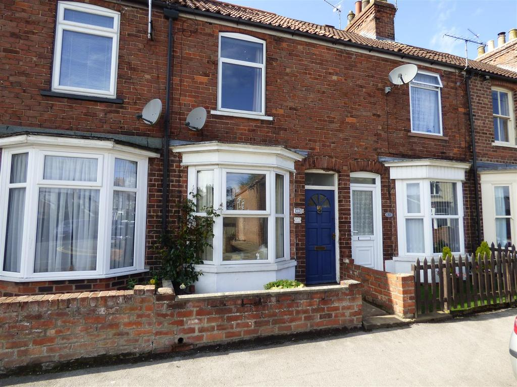 2 Bedrooms Terraced House for sale in 34 Beaver Road, Beverley, East Yorkshire, HU17 0QW
