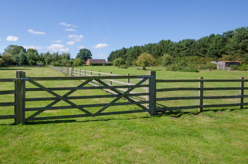 5 Bedrooms Equestrian Facility Character Property for sale in Atlas Farm, Youlton Lane, Alne, York