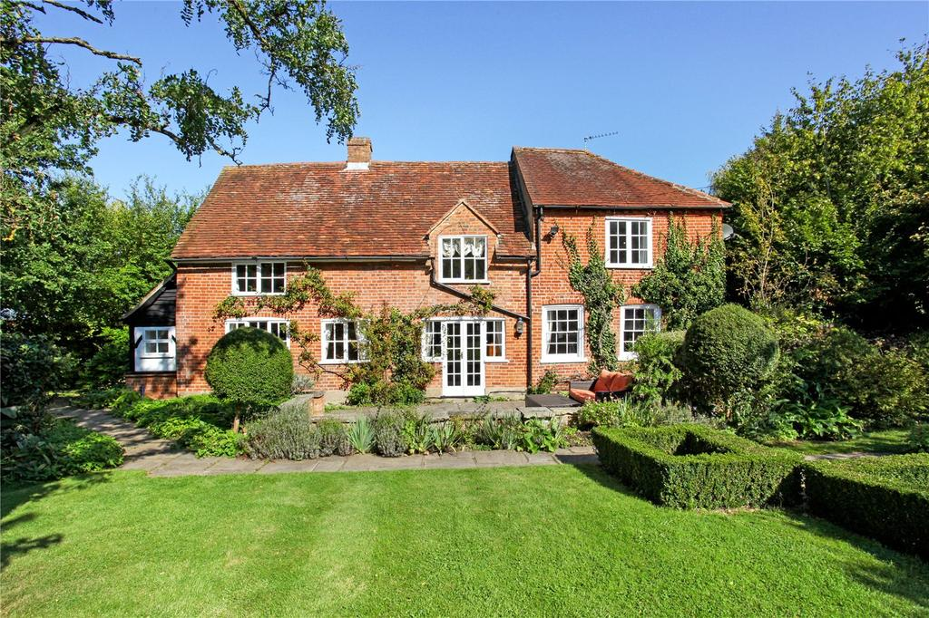 4 Bedrooms Detached House for sale in Winkfield Lane, Maidens Green, Windsor, Berkshire, SL4