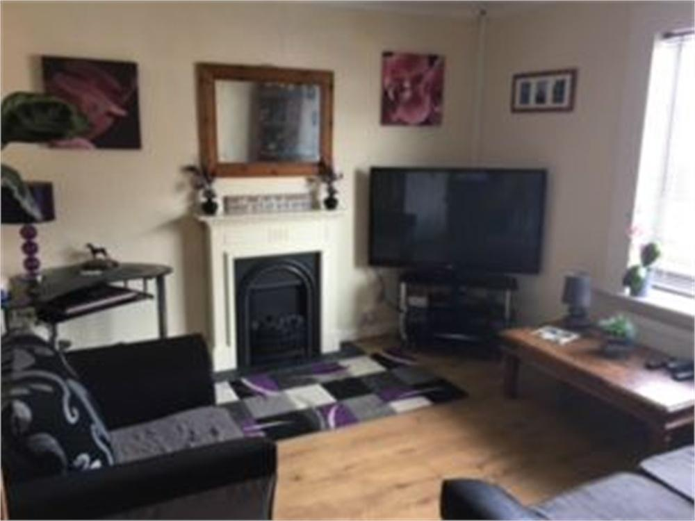 2 Bedrooms Flat for sale in Old Road, CLACTON-ON-SEA, Essex