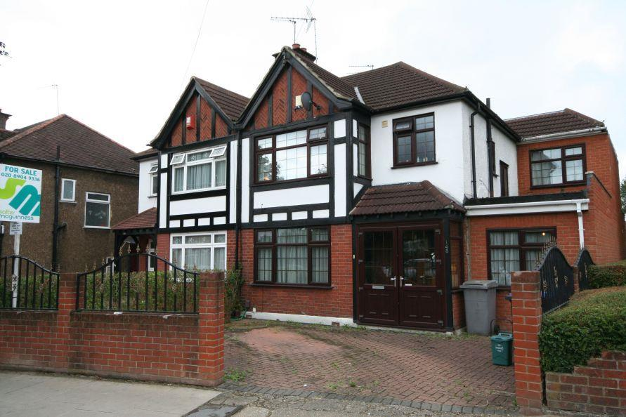 4 Bedrooms Semi Detached House for sale in Windermere Avenue, South Kenton, HA3 8QT