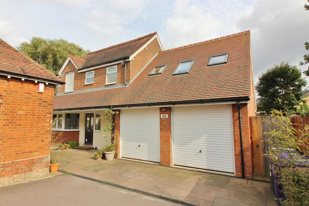 5 Bedrooms Detached House for sale in Grove Road, Hitchin, Hertfordshire
