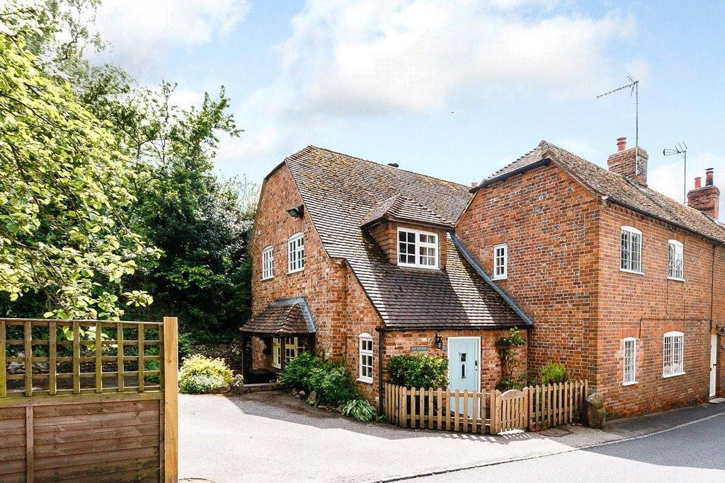4 Bedrooms House for sale in Newbury Street, Kintbury, Hungerford, Berkshire, RG17