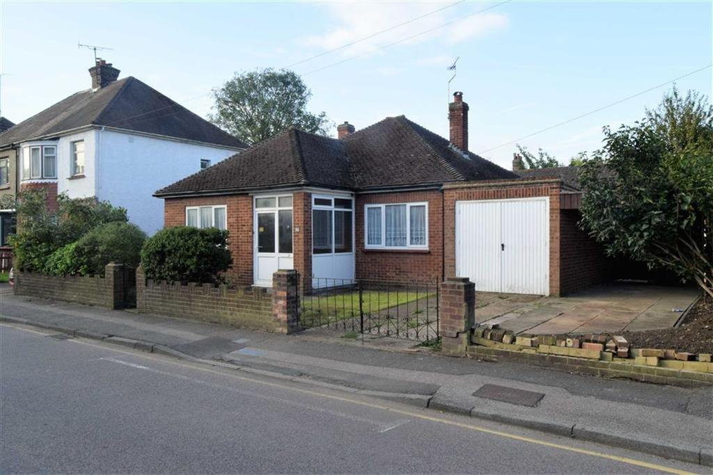 2 Bedrooms Detached Bungalow for sale in Tufton Road, Rainham, Kent, ME8