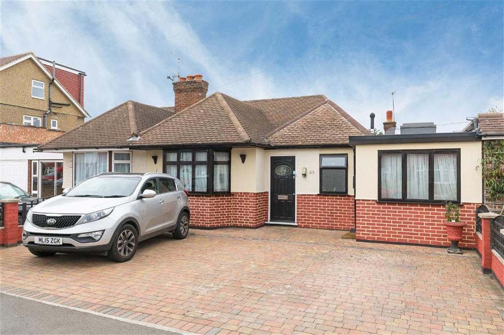 3 Bedrooms Semi Detached Bungalow for sale in Jubilee Drive, South Ruislip