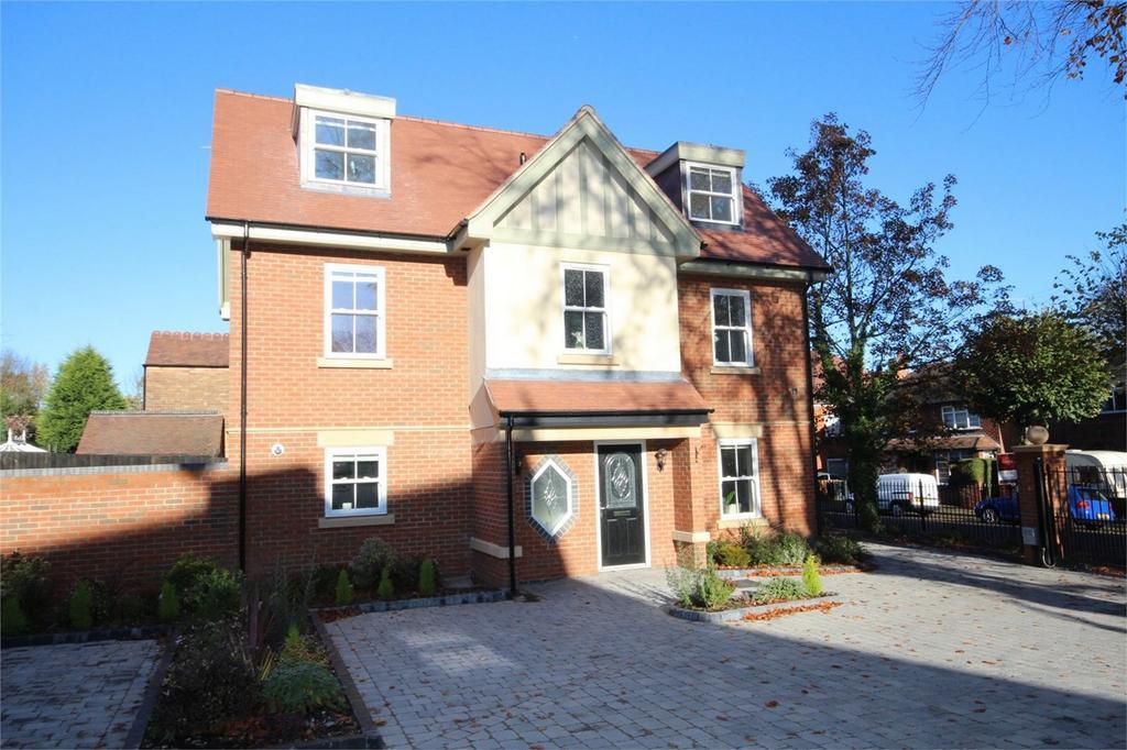 5 Bedrooms Detached House for sale in Earls Road, NUNEATON, Warwickshire