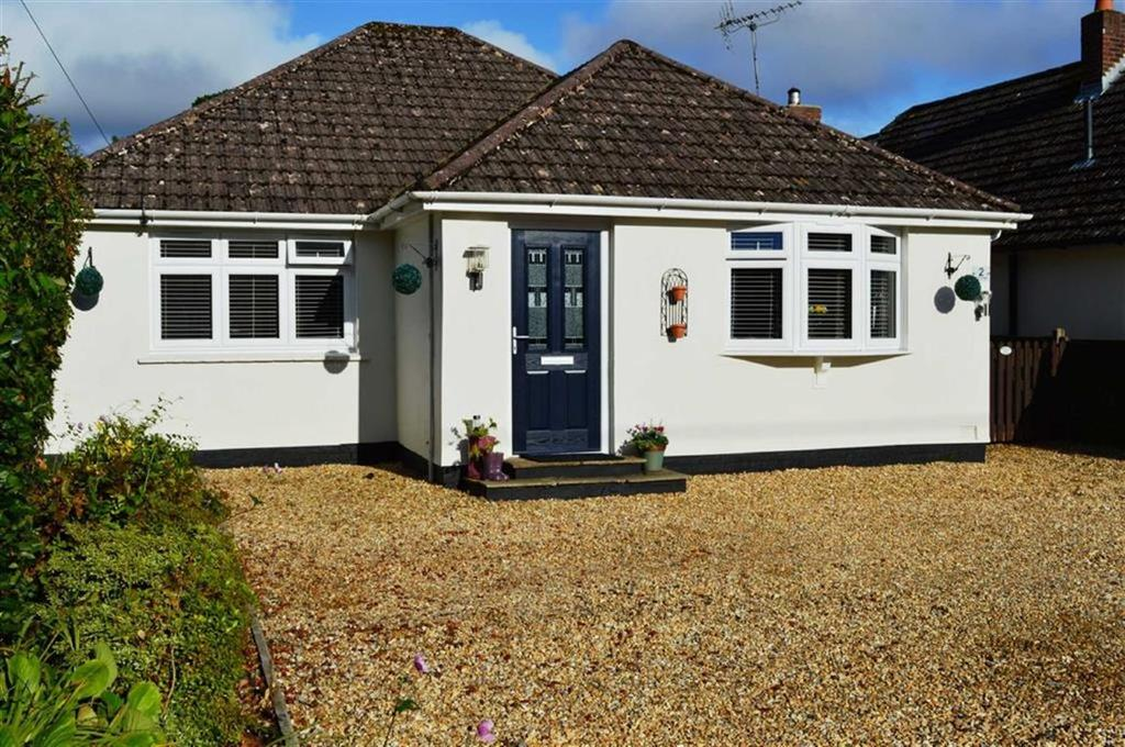 3 Bedrooms Chalet House for sale in Paget Close, Wimborne, Dorset