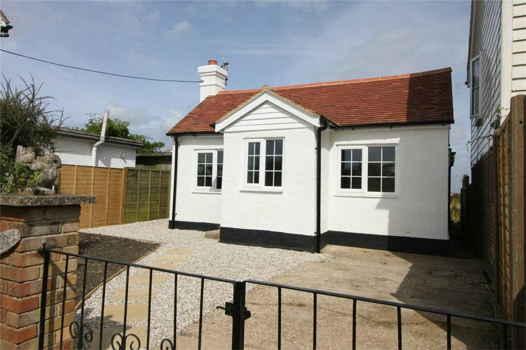 3 Bedrooms Detached Bungalow for sale in Netherfield Road, NETHERFIELD, East Sussex
