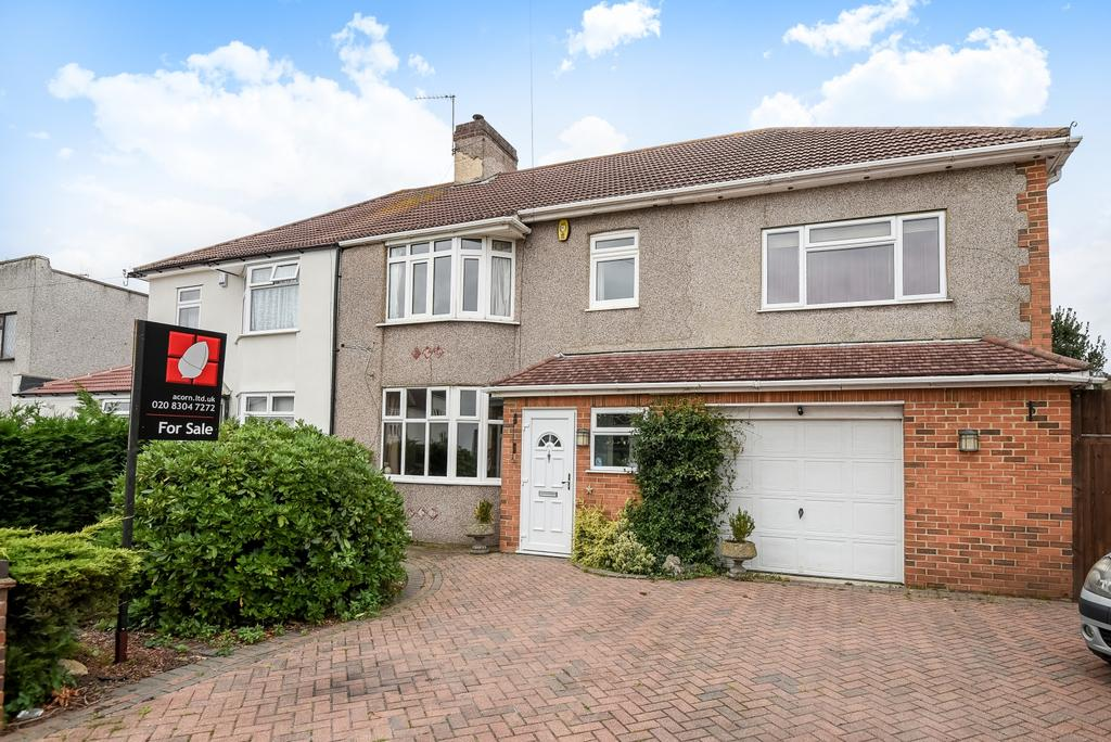 4 Bedrooms Semi Detached House for sale in Madison Crescent Bexleyheath DA7