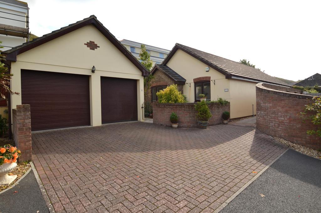 3 Bedrooms Detached Bungalow for sale in Pebble Close, Westward Ho!