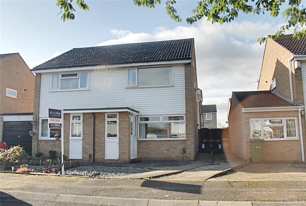 3 Bedrooms Semi Detached House for sale in Fortrose Close, Eaglescliffe