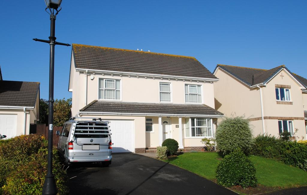 4 Bedrooms Detached House for sale in Bay View Court, Bay View Road