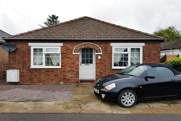 2 Bedrooms Detached Bungalow for sale in Highfield Road, March, PE15