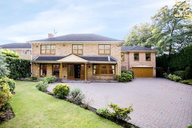 5 Bedrooms Detached House for sale in Roman Road,Little Aston Park,Little Aston