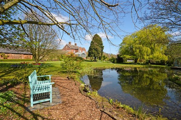 5 Bedrooms Detached House for sale in Parish Farmhouse, Bilting