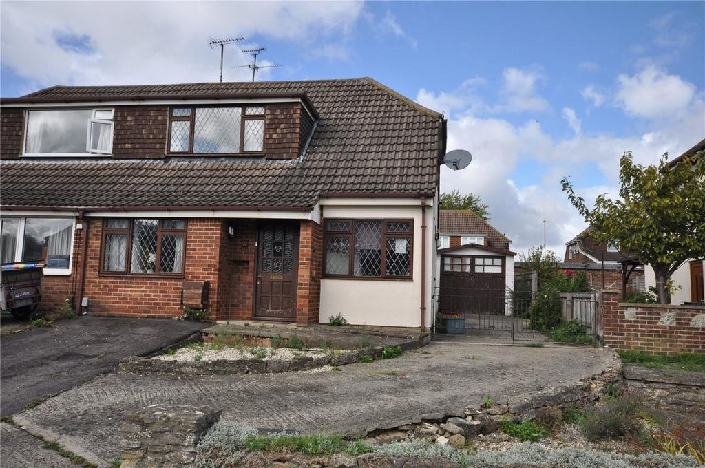 3 Bedrooms Semi Detached House for sale in Colebrook Road, Coleview, Swindon, Wiltshire, SN3